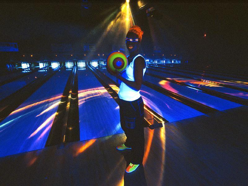 glow bowling kid